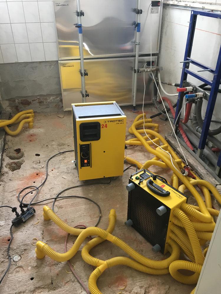 rentrosan trocknung nach wasserschaden hochwasser