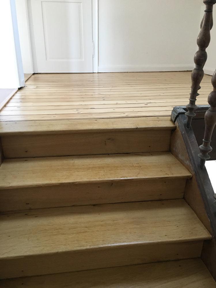 rentrosan wir renovieren tapezieren verputzen f hren deckenarbeiten bodenarbeiten. Black Bedroom Furniture Sets. Home Design Ideas